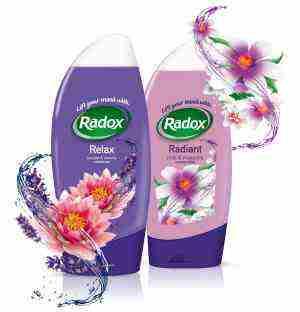 Vyhrajte balíček sprchovacích gélov Radox Relax a Radox Radiant