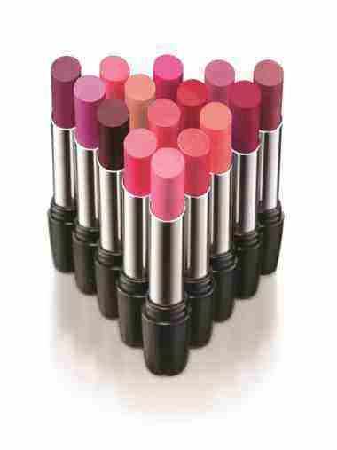 Úžasné farby a neodolateľne jemné zloženie nového rúžu od AVONu