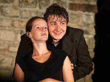Vyhrajte 2 vstupenky na českú divadelnú komédiu VÝROČÍ
