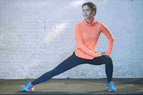 Súťaž o mikinu Nike AeroReact Pullover Top