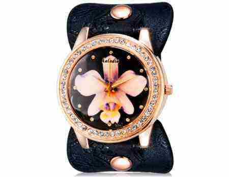 Soutěž o dámské široké hodinky s květinou