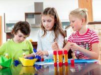 Soutěž Vybíráme bezpečné lepidlo pro děti do školy