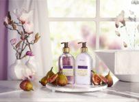 Hrajte o 3 sady kozmetiky Tekuté mydlo a mlieko s figami a magnóliou