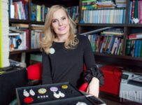Súťaž s Feminity o unikátny šperk, brošňu SKVOST v hodnote 190€