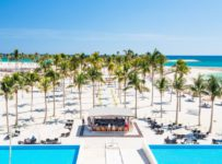 Vyhrajte luxusnú 8-dňovú dovolenku pre 2 osoby vo fascinujúcom Ománe