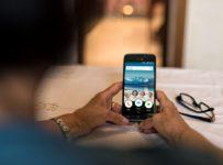 Vyhrajte Doro 8040, mimoriadne jednoduchý smartfón pre seniorov