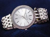 Súťaž o luxusné dámske hodinky Michael Kors