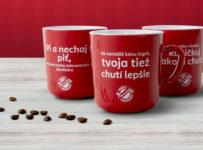 Vyhrajte 80x hrnček pravého kávičkára a balíček Zrnkových káv Popradská