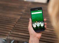 Súťaž o smartfón pre seniorov Doro 8035