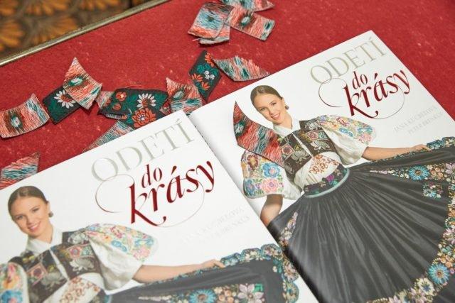 Zapojte sa do súťaže o unikátnu knihu Odetí do krásy