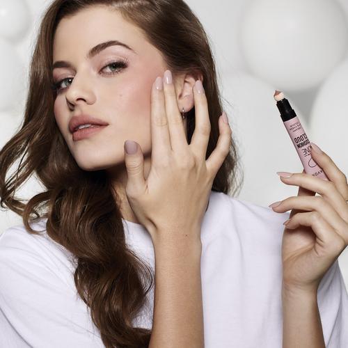 Súťaž o novinku dekoratívnej kozmetiky 2 v 1 od AVONu